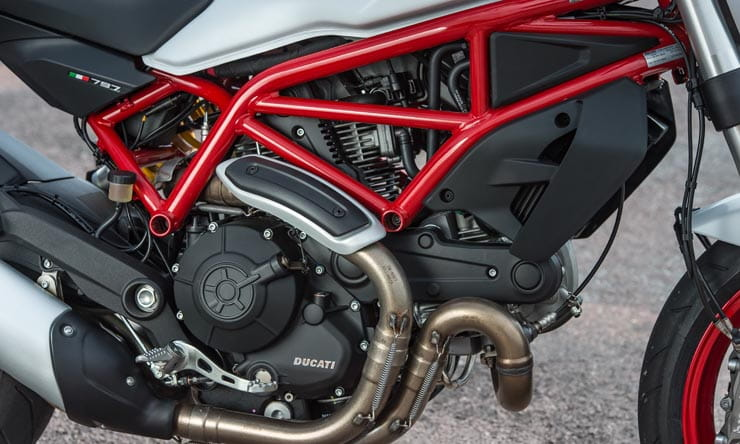 Ducati Monster 797 (2017) - first ride and review