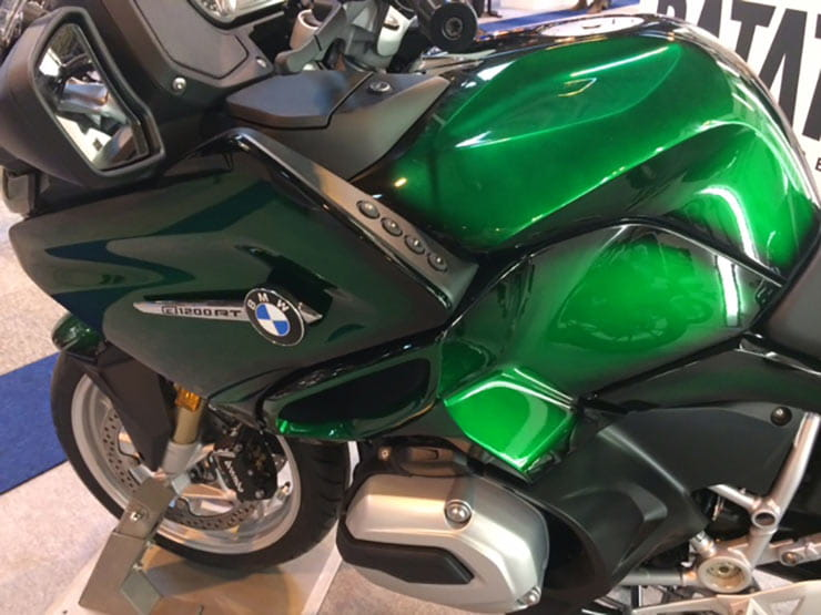 8-Ball have provided a BMW R1200RT in green