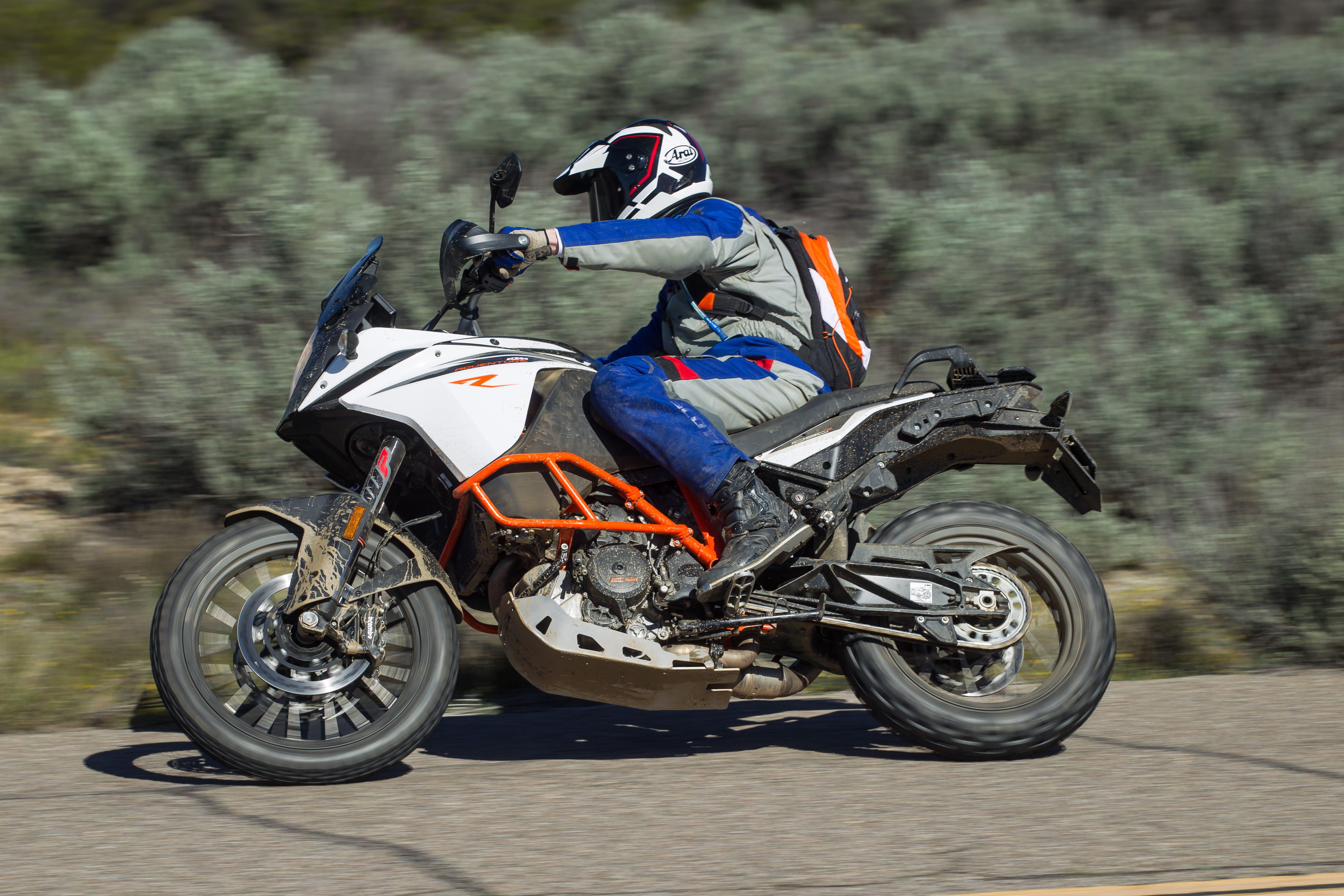ktm 1090 adventure r (2017) - first ride and review