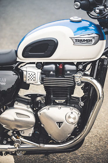 Fabulous Triumph Bonneville T100 2017 First Ride And Review Spiritservingveterans Wood Chair Design Ideas Spiritservingveteransorg