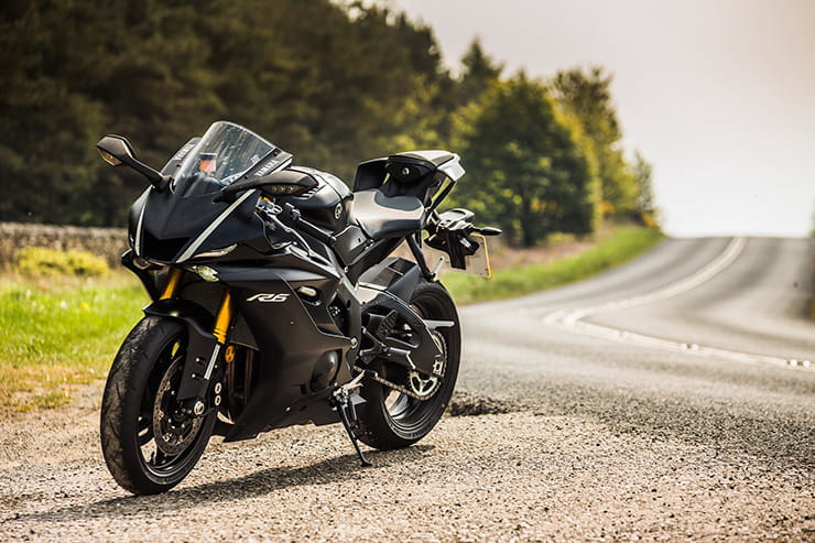 Yamaha YZF-R6 (2017) - first UK ride