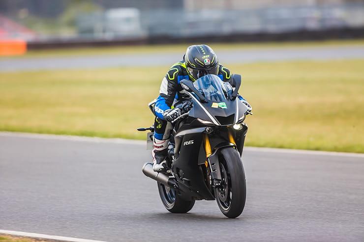 2017 Yamaha R6 On Track