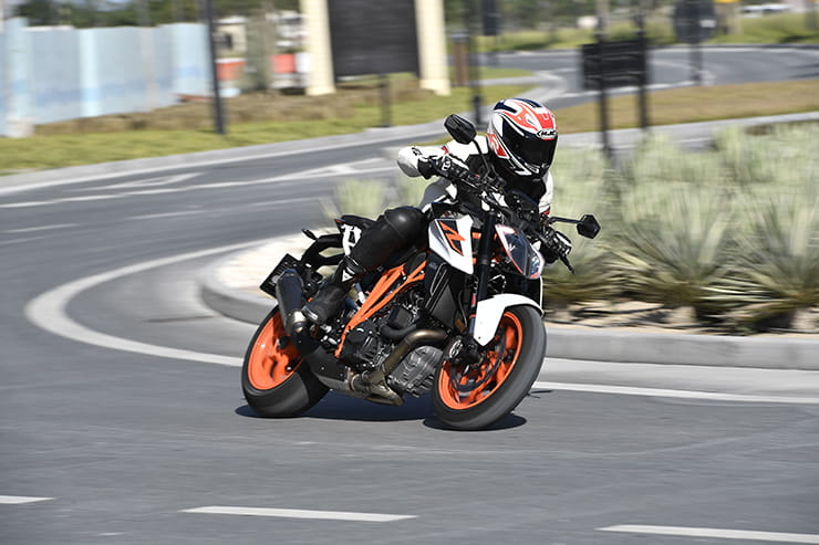 KTM 1290 Super Duke R - The Return of the Beast