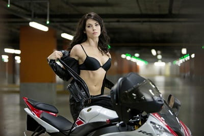 The Yamaha R6 alongside actress Yulyia Snigir in the new Die Hard movie