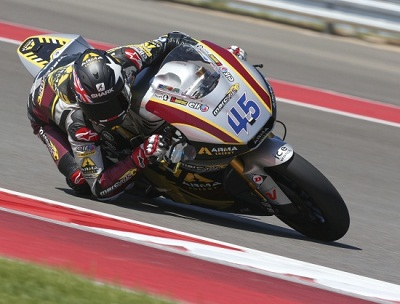Redding doing what he does best in Austin, Texas. Check the Bike Social sticker on his visor. Cool, hey?