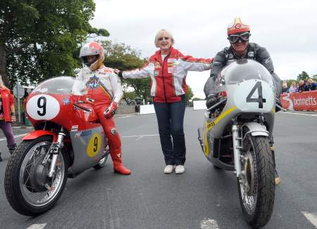 Pauline Hailwood poses with Agostini and McGuinness