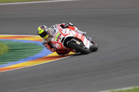 Hernandez will remain with Pramac Ducati in 2014