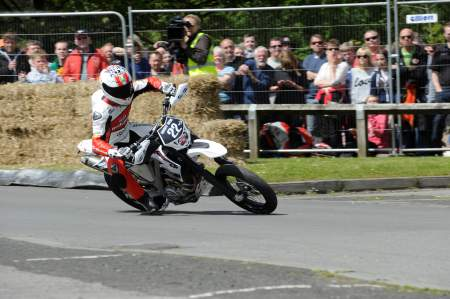 Danny Webb on his way to Thundersprint victory in 2012