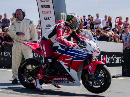 McGuinness starts the 2013 Senior TT