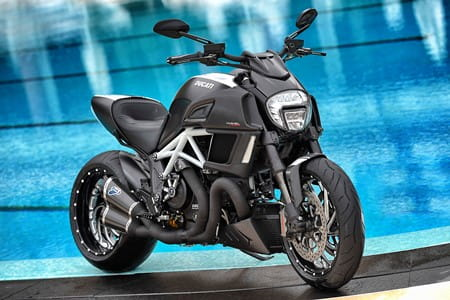 Diavel Carbon with its Sunday best on
