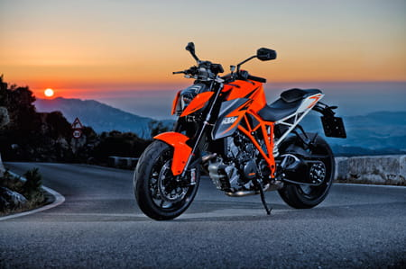 1290R Superduke. Certified madness