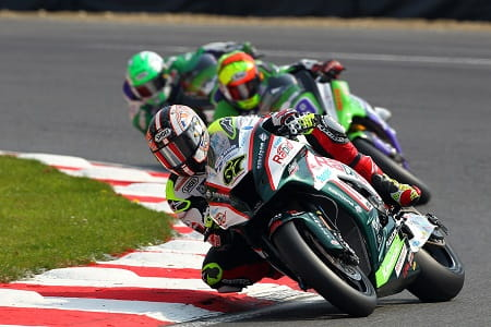 Byrne leads the pack at Oulton Park