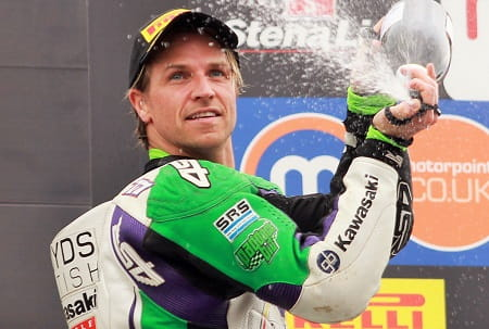 Ellison bagged a further two podiums at Oulton