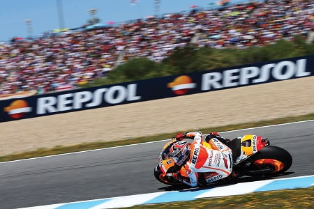 Marquez remains with Honda for 2015/16