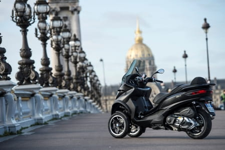Piaggio's new sleek 500cc 3-wheeler
