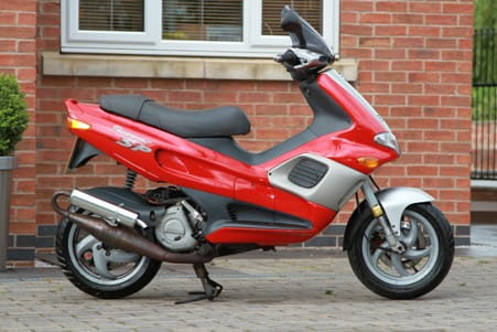 Gilera Runner 125cc: no foot plate room for shopping