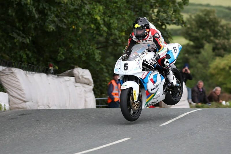 Anstey took an incredible victory aboard the YZR500