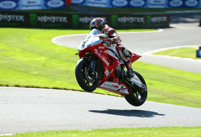 In more familiar hands and surroundings as Kiyo flies at Cadwell.
