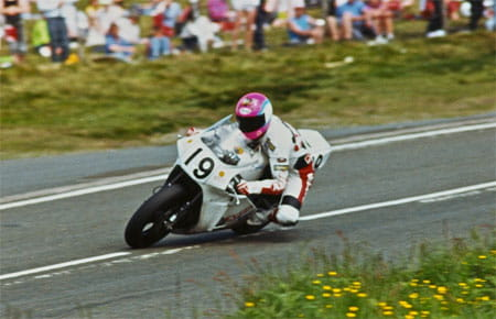 Steve Hislop in Norton action in 1992