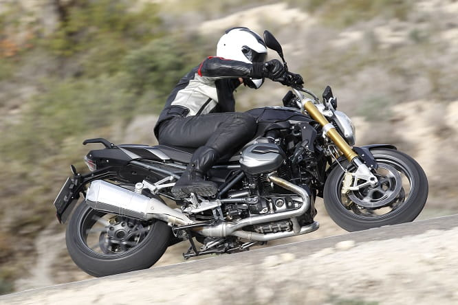 The R1200R has three riding modes