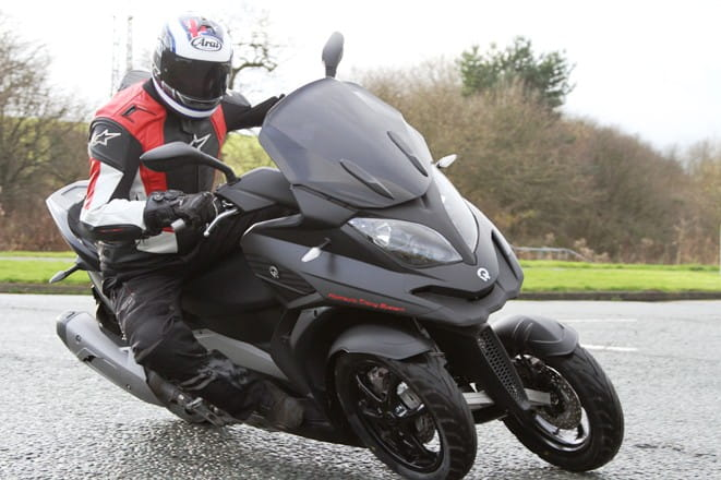 Quadro S - lighter and cheaper than the Piaggio MP3