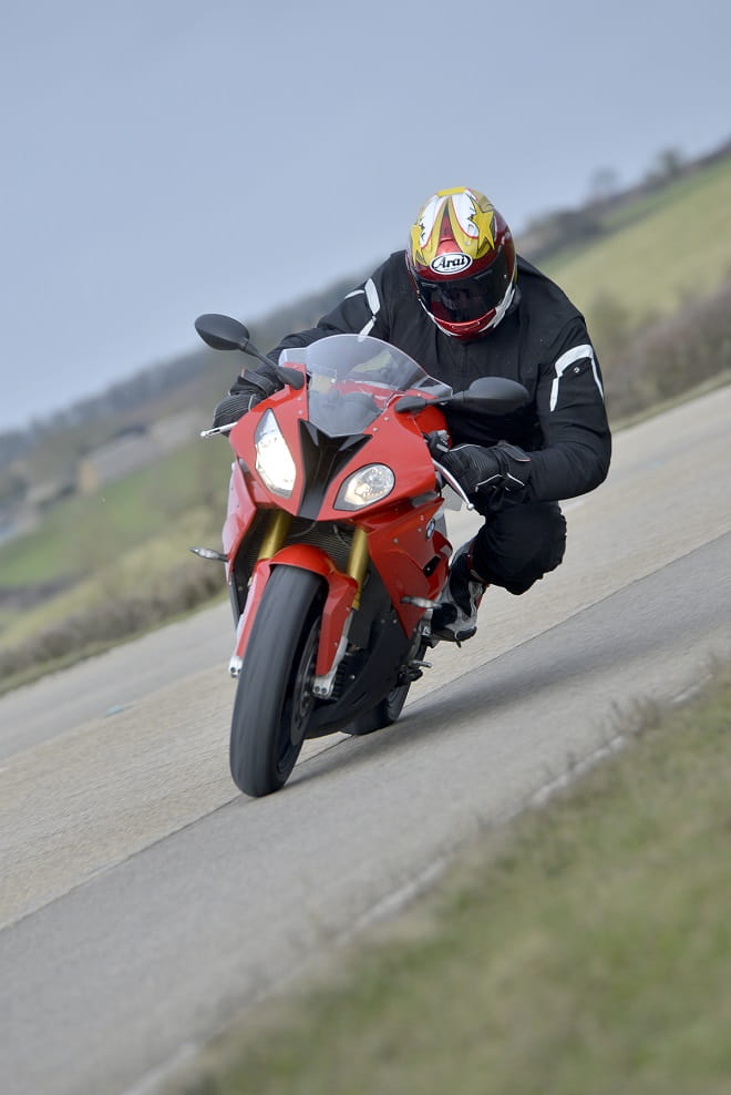 Slow-speed, high-speed, side wind, knee in or knee out, the 2015 S1000RR will make an average rider great.