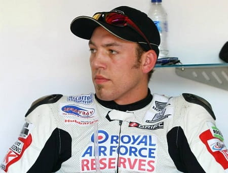 Hickman signs for RAF Reserves BMW