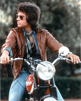 Warren Beatty rode a 500cc Tiger 100 in Shampoo