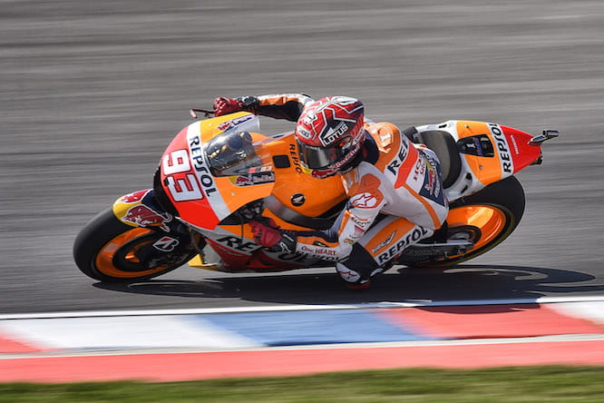Marquez crashed out trying to pass Rossi