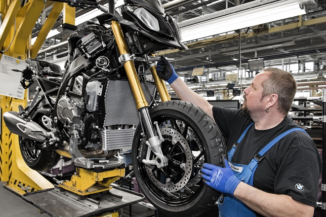 BMW's S1000XR on the production line. They're in BMW dealerships later this month.