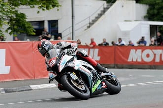 Hutchy took three wins at TT 2015, this was his ZX10-R Superstock