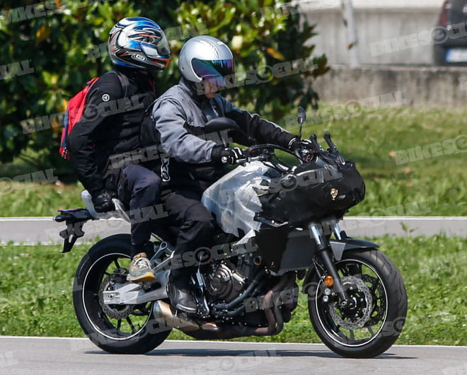 new spy shots yamaha mt 07 tracer. Black Bedroom Furniture Sets. Home Design Ideas