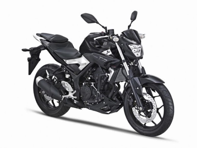 Yamaha's MT25 in black