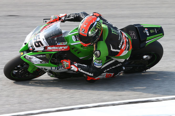 Sykes took pole from Rea