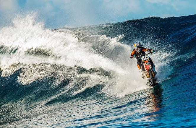 Almost unbelievable: Robbie Maddison surfs on his KTM motocross bike