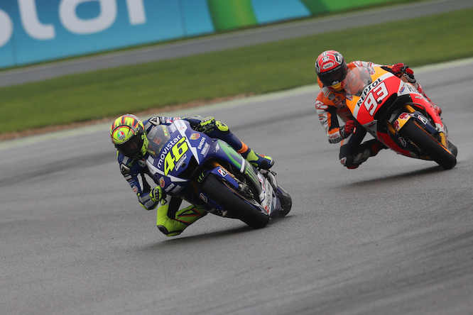 Rossi leads Marquez in the race