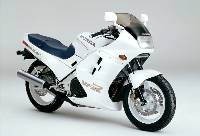 1986 and Honda bring out a sports tourer in the VFR750F