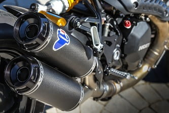 Termignoni carbon racing silencers, Carbon fibre rear mudguard and carbon fibre heat guard