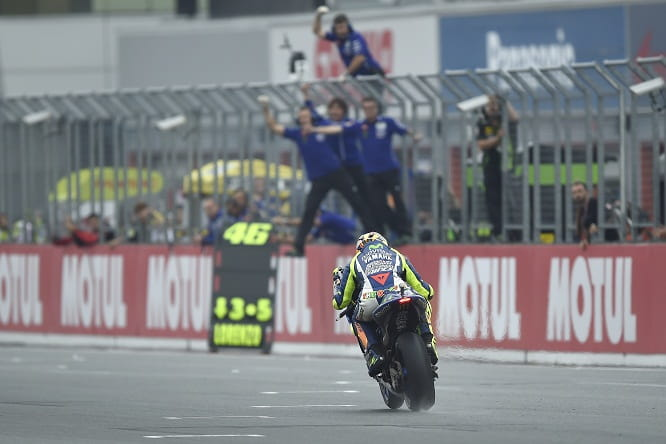 Rossi leads the MotoGP World standings