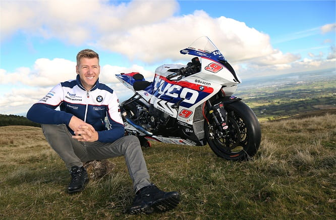 Hutchinson switches to BMW for 2016