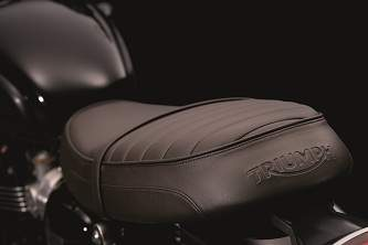 Detail of the Bonneville T120 Black seat