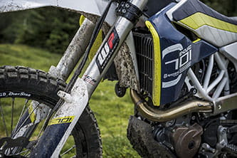 Competition-spec WP forks and shock with 275mm travel