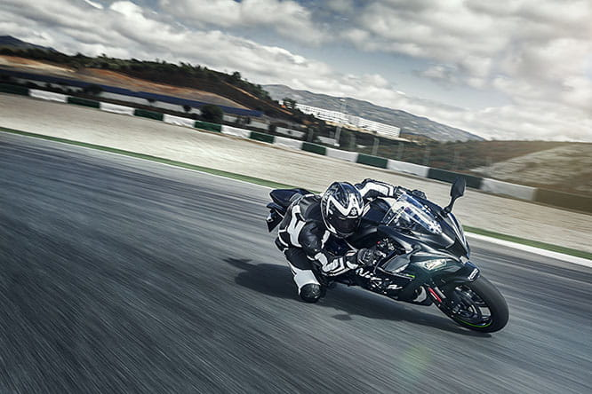 Winter Edition ZX-10R features a new paint scheme and Akrapovic silencer