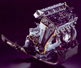 988cc, liquid-cooled, inline four, 16v, DOHC