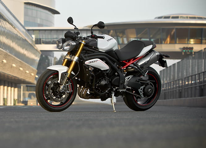 Triumph 1050 Speed Triple R will be updated with the 2016 model