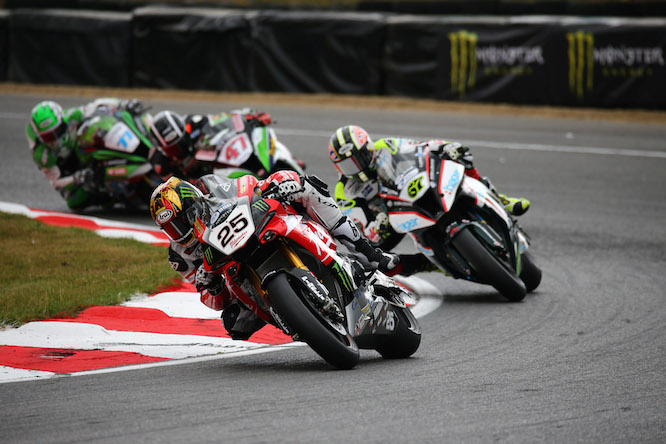 Brookes leads Byrne at Brands Hatch