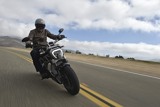 That kicked-back riding position, that distinctive headlight. That's the XDiavel S alright.