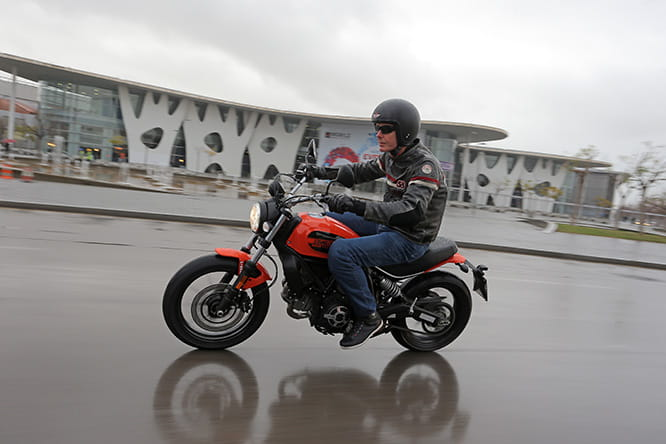 Scrambler Sixty2 - not uncomfortable even for those measuring 6 feet 4