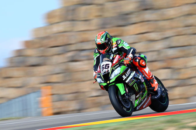 Tom Sykes starts on pole