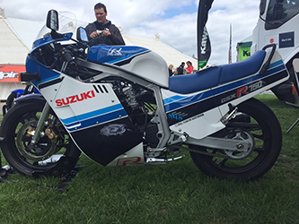 Original slab side GSX-R750 on Suzuki's stand